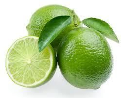 Свежий зеленый лимон