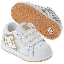 شراء حذاء اطفال