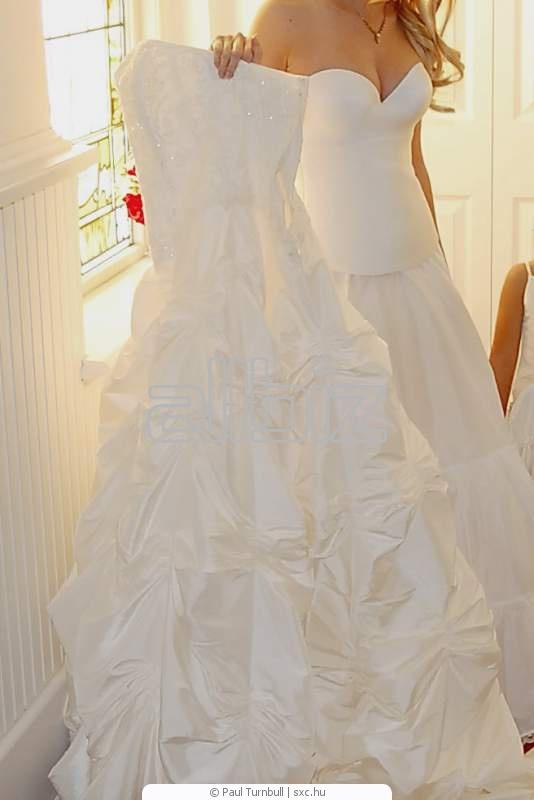 507a5f8b68121 فساتين الزفاف شراء في الإسكندرية