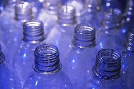 شراء زجاجات المياه الفارغه البلاستيك pet