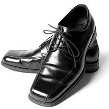 شراء حذاء اسود