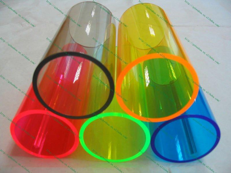 الأنابيب البلاستيكية