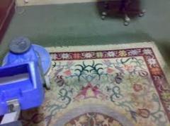 ماكينة تنظيف السجاد بالرغوة الجافة