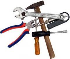 ومن ناحية الأدوات