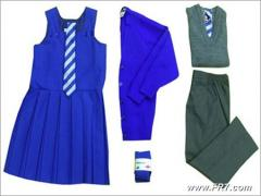 الملابس المدرسية القطنية