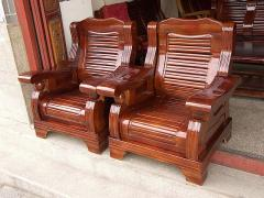 Furniture details made of laminated wood