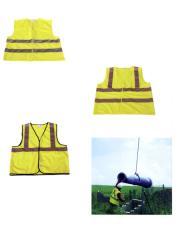 مجموعة من ملابس العاملين