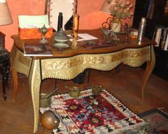 مكتب خشبى بالذهب