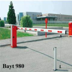 Enclosure  of barrier type for roads and bridges