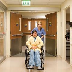 أبواب اوتوماتيك مفصلية