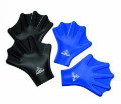 Gloves for swimming