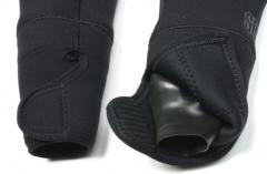 Sealing cuffs