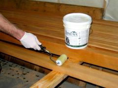 مواد التشطيب الخشبية