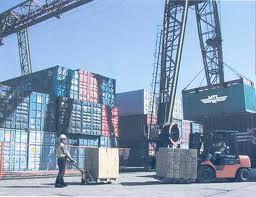 طلب البضائع هي السلع والمنتجات التي يتم نقلها عادة لأغراض تجارية، تنقل البضائع عادة عن طريق السفن أو الطائرات أو القطارات أو حتى الشاحنات، وتنقسم البضائع إلى عدة تصنيفات هي: