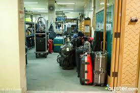 طلب Luggage storage