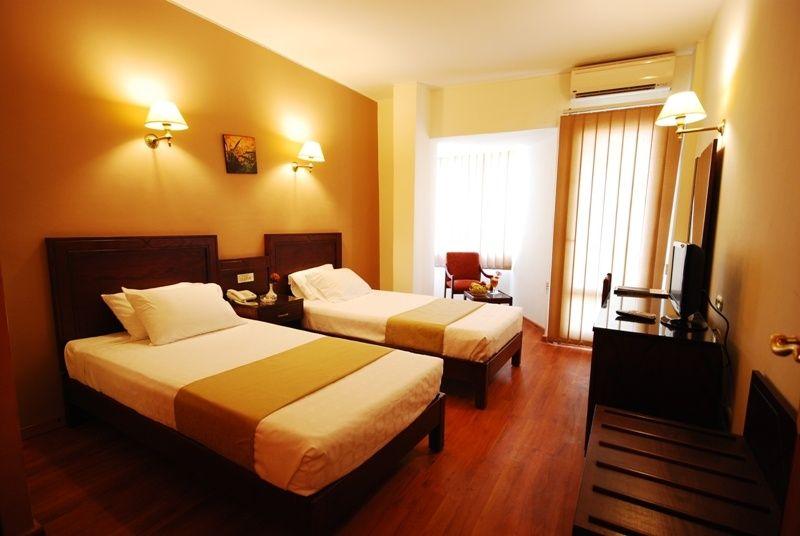 غرفة نوم في حي وسط الاسكندرية من شركة امون اوتل ايجيبت | الطلب