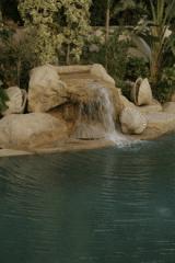 تصميم وبناء أحواض الحديقة