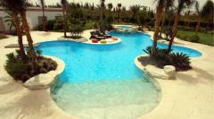 حمامات سباحة حديثة
