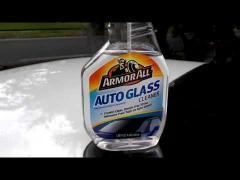 تنظيف زجاج السيارات