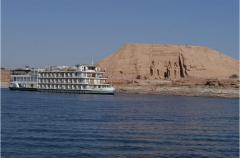 الرحلات الى بحيرة ناصر