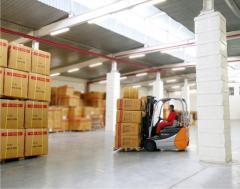 تخزين البضائع في مستودعات